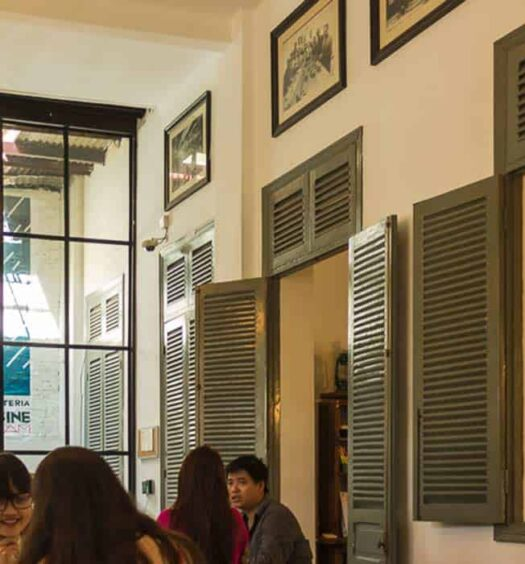 Saigon: La Cafeteria de L'Usine