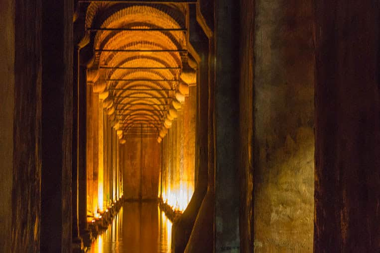 Mystische Stimmung in der Cisterna Basilica