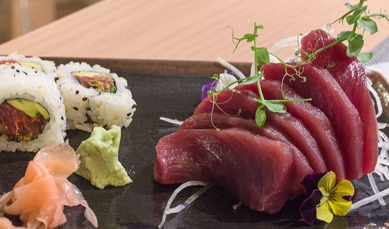 Köstliches Thunfischsashimi