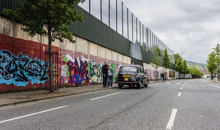 die Mauern zwischen dem protestantischen und dem katholischen Belfast sind noch immer hoch