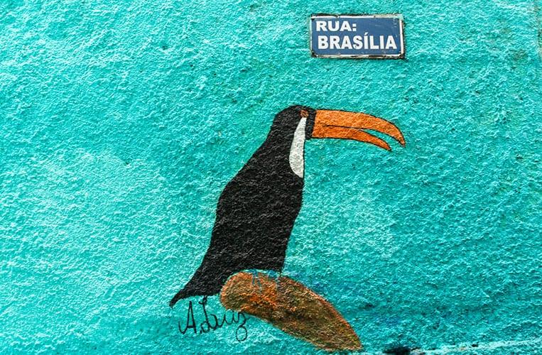 Strassenschild in Vila Canoas