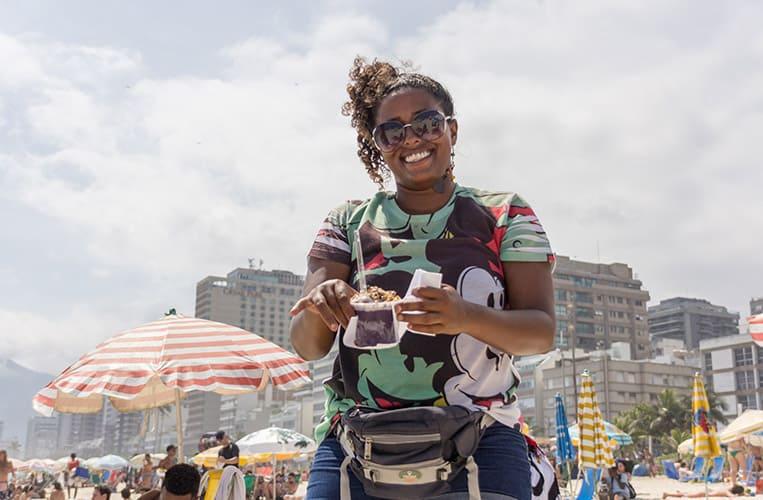 Meine Lieblings-Açai-Verkäuferin am Strand von Ipanema