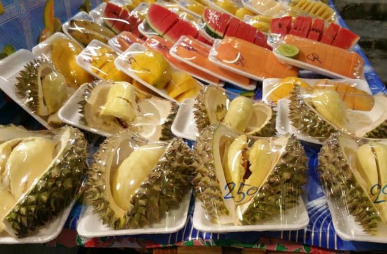 Durian und andere Früchte