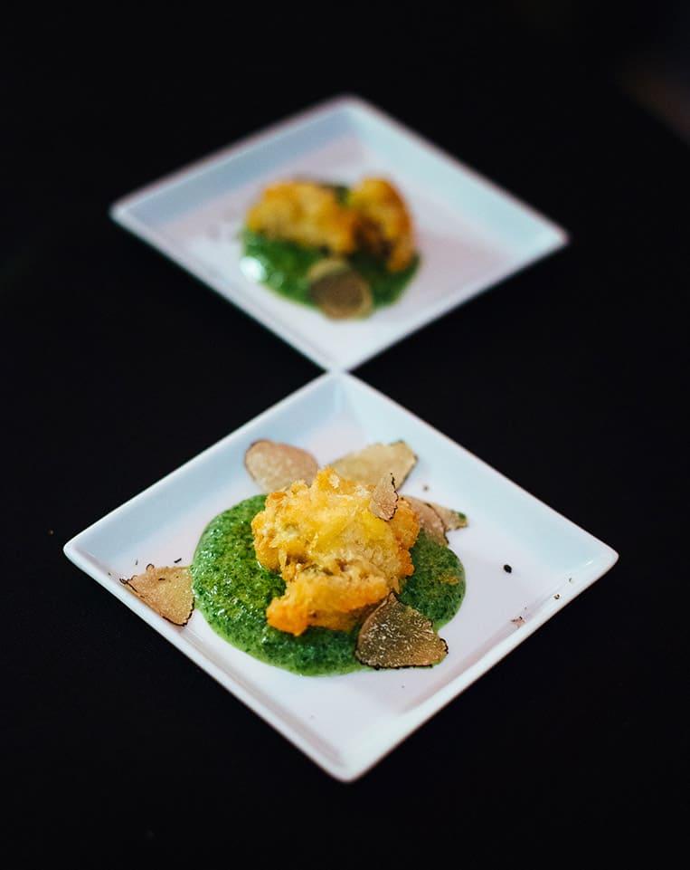 gebackene Muscheln auf Rahmspinat mit Albatrüffel