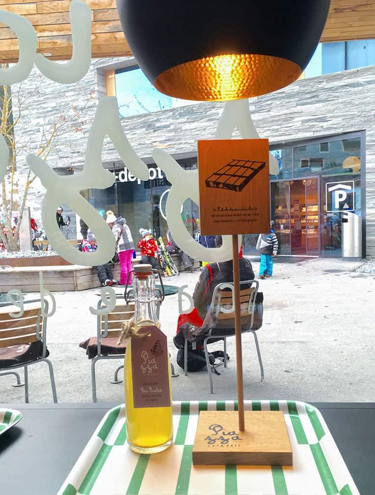 Piazza-cafedeli