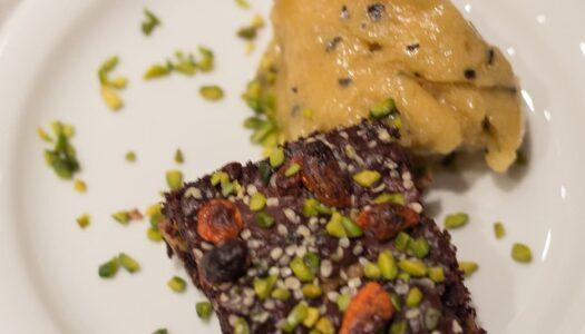 Vegane Walnuss Schoko Brownies mit Gojibeeren