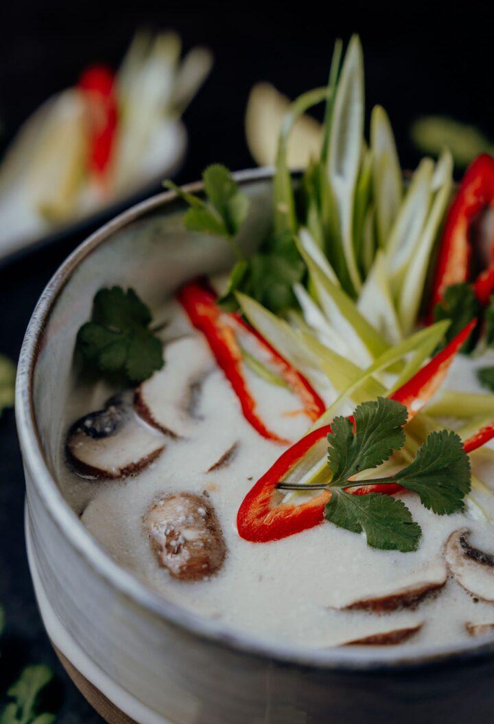 Tom Kha Gai – thailändische Hühnersuppe mit Kokosmilch