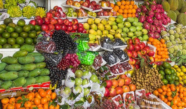 Frische Obst gibt es in Hanoi an jeder Strassenecke