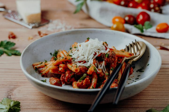 Strozzapreti mit Salsiccia und Pecorino