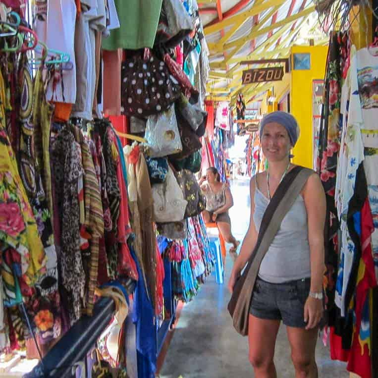 Am Sir Selwyn Clarke-Markt, der nach einem ehemaligen Gouverneur der Seychellen benannt ist