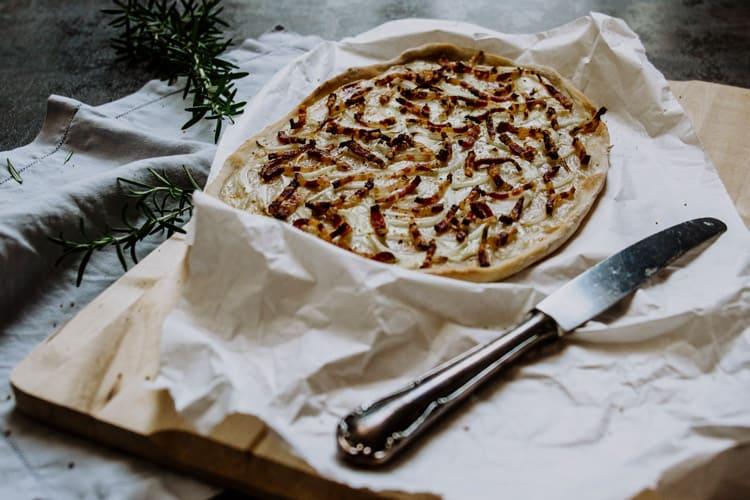Elsässer Flammkuchen – Original Rezept für Tarte flambée