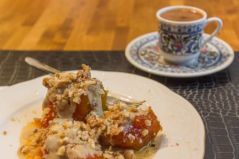 Das Kürbis-Dessert mit türkischem Mokka