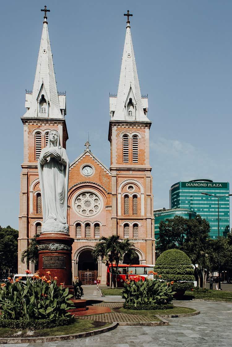 Ein Spaziergang über die Dong Khoi und Le Loi in Saigon