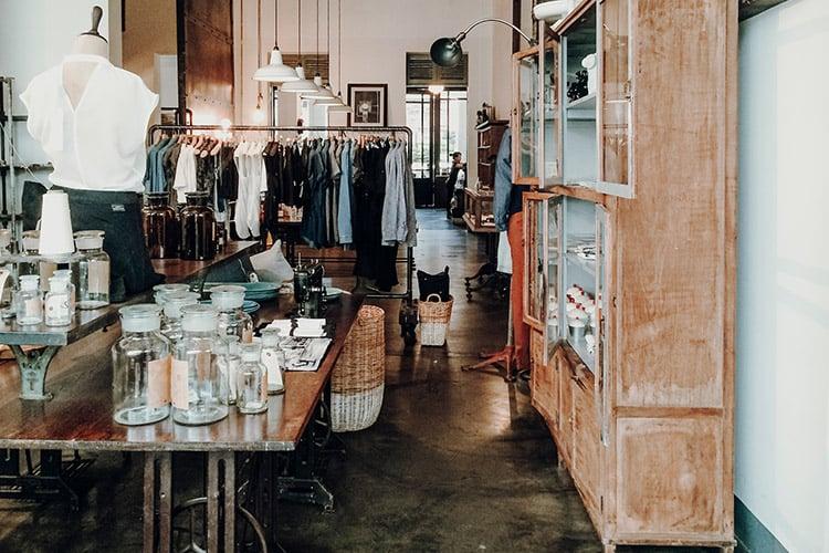 Das schönste Café in Saigon – Café l'Usine