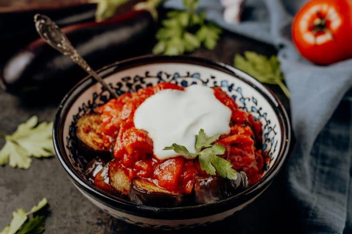 Köpoğlu tarifi – gebratene Auberginen mit Joghurt