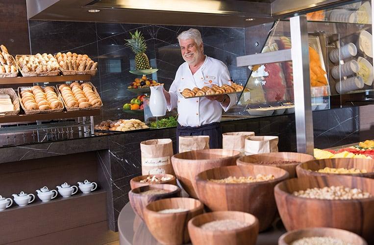 Frühstück im Juniorsuite im Travel Charme Bergresort