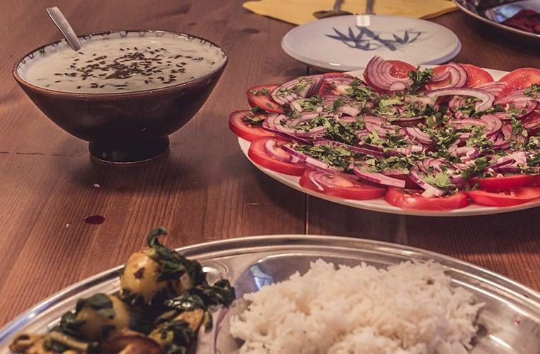 Tomaten Relish und Raita