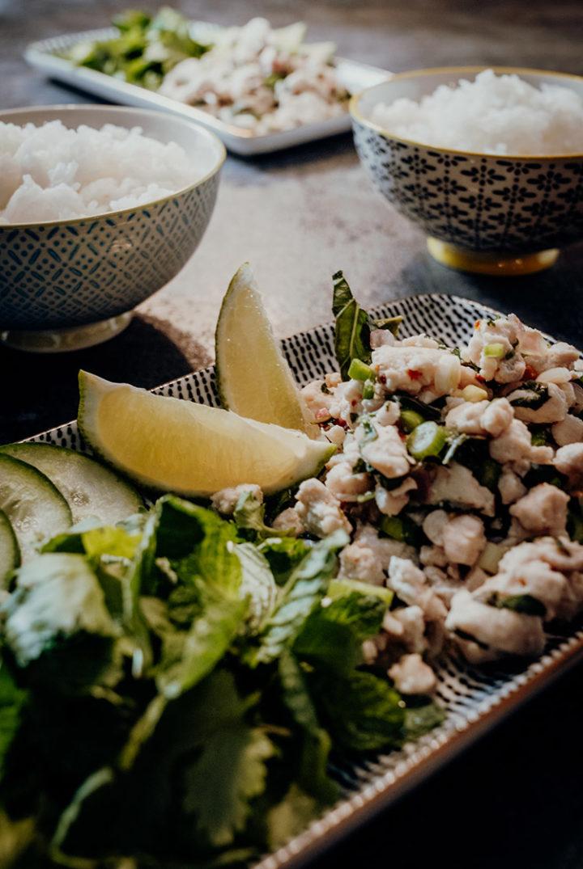 Larb Moo – Thailändischer Schweinehackfleischsalat | Reisehappen