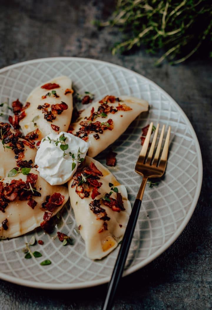 Pierogi ruskie - Polnische Piroggen mit Kartoffel-Käsefüllung
