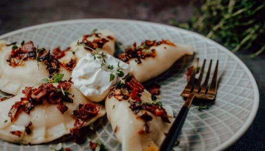 Pierogi ruskie – Polnische Piroggen mit Kartoffel-Käsefüllung