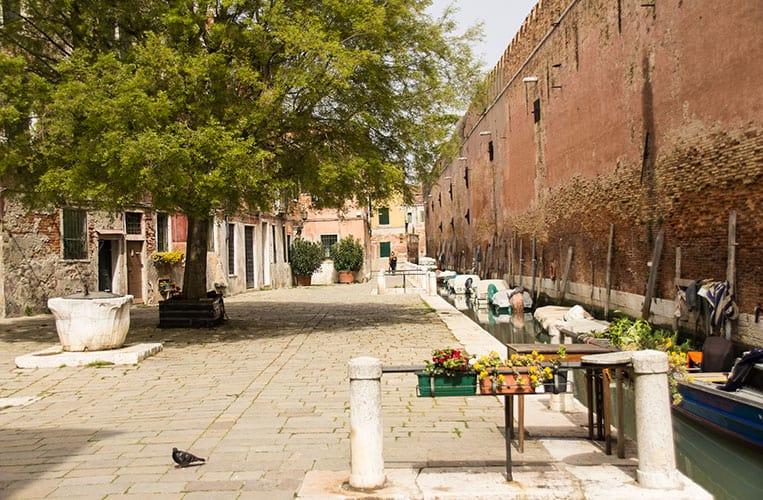 Das Arsenal in Venedig ist das Gelände der italienischen Marine.