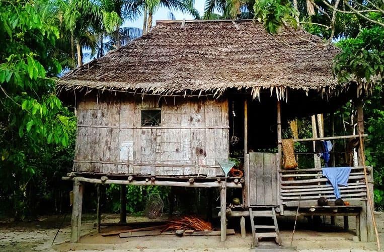 Eine bewohnte Hütte der Comunidad 11