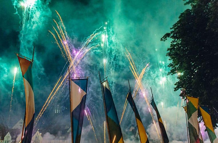 Das Feuerwerk am internationalen Donaufest in Ulm