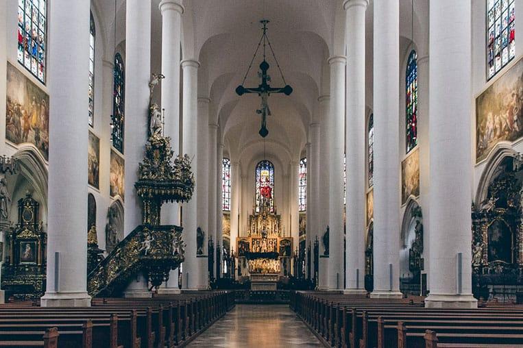 Die Stadtpfarrkirche St. Jakob in Straubing