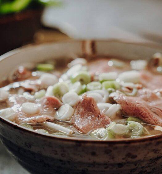 Pho Bo Saigon – Vietnamesische Nudelsuppe mit Rindfleisch