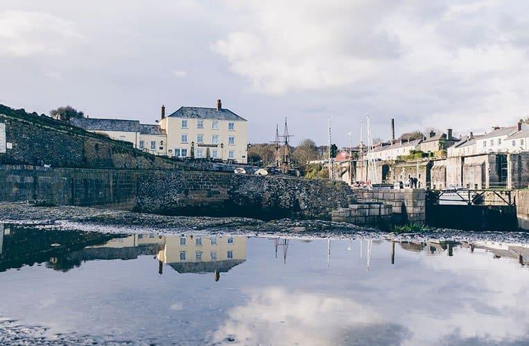 Das bezaubernde Hafenstädtchen Charlestown in Cornwall