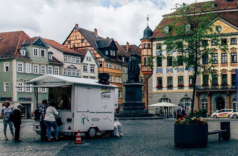 Die Coburger Bratwurst , Marktplatz