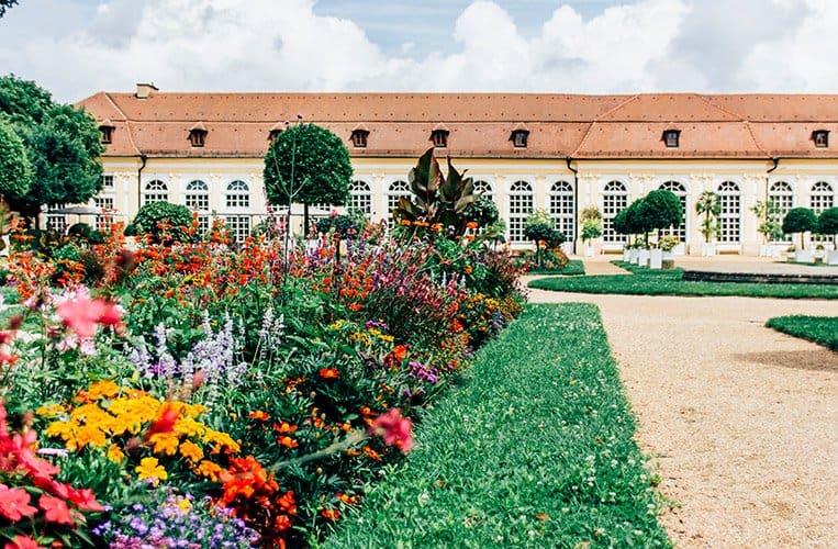 Der Hofgarten mit Orangerie