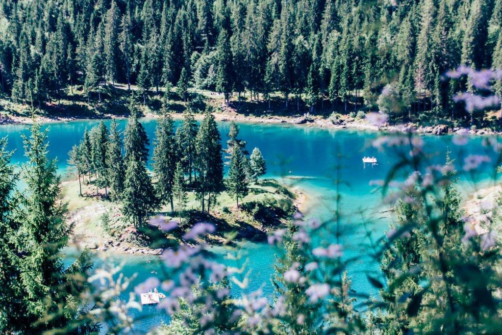 Flims: Wanderung vom Caumasee zum Crestasee