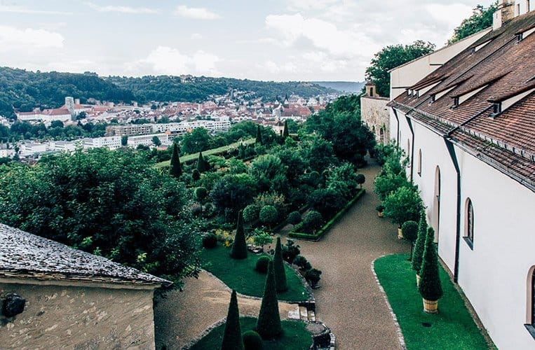 Die Willibaldsburg mit dem Bastionsgarten