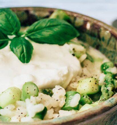 Risotto mit grünem Spargel und Burrata