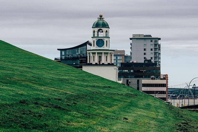 Der Uhrturm von Halifax