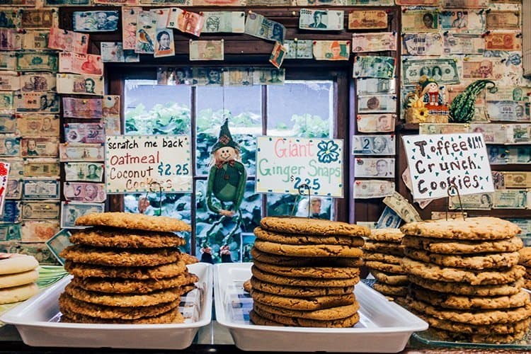 Jo-Ann's Deli Market & Bake Shop