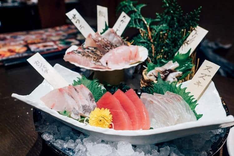 Feinstes Sushi in einer Izakaya in Nagoya