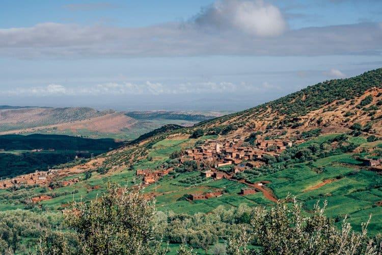 Berberdörfer am Fuße des Atlasgebirges