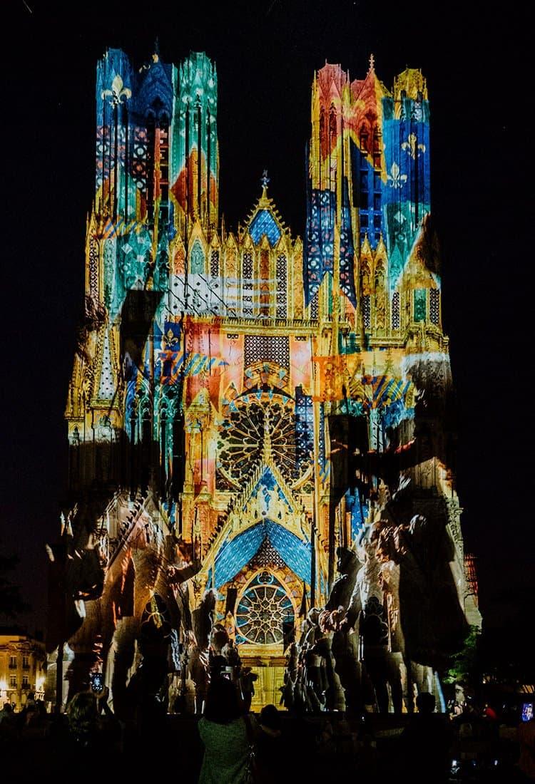 Magisches Reims bei Nacht – Rêve de Couleurs