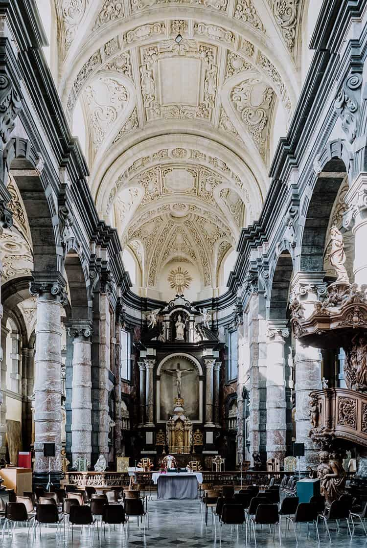 Die Église Saint-Loup – eine der schönsten Barockbauten in Belgien
