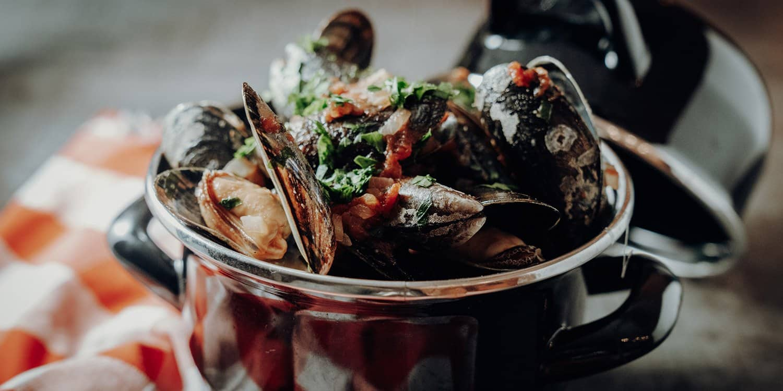 Miesmuscheln in Tomatensosse – Cozze al pomodori   Reisehappen