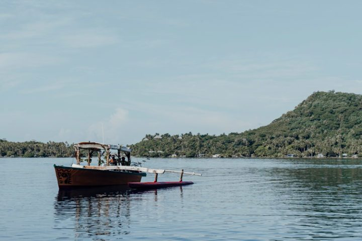Piroge auf Bora Bora