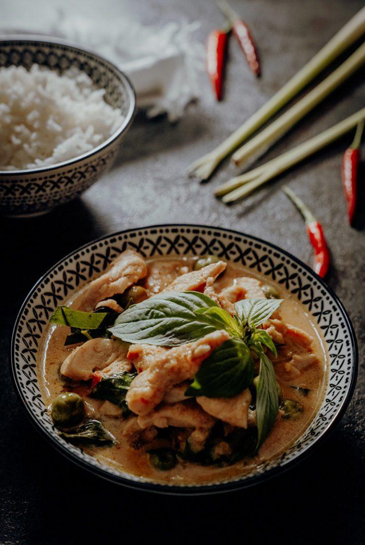 Panang Curry mit Huhn – Thai Rezept für Gaeng Panaeng | Reisehappen