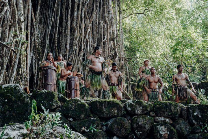 marquesanische Tanzgruppe in Tohua Kamuihei, Nuku Hiva