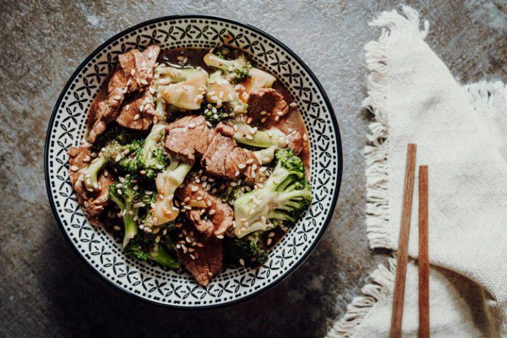 Stir Fry mit Rindfleisch und Brokkoli