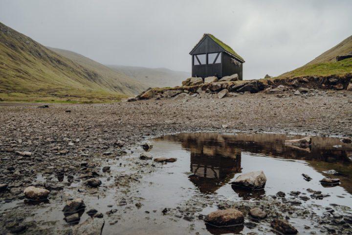 Die schönsten Orte auf den Färöer Inseln –  Der Leynavatn See