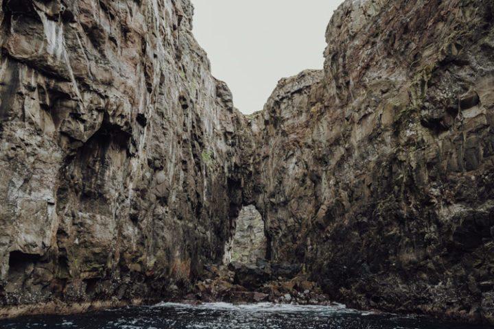 Die schönsten Orte auf den Färöer Inseln – Die Vogelklippen im Vestmannasund