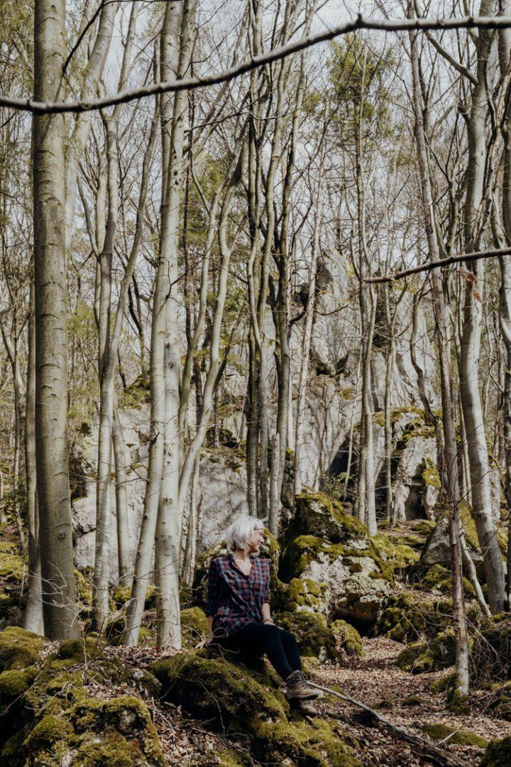 Wanderwege im Nürnberger Land – Tipp 6: Wandern durch den Märzenbecherwald