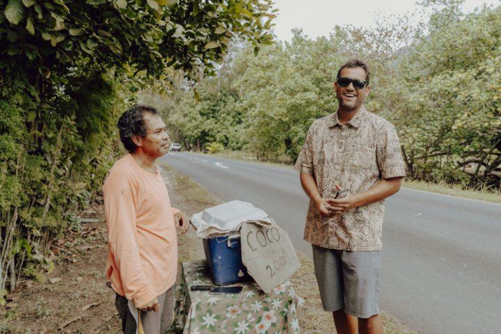 Polynesische Spezialitäten: Coco Glacée – frische eisgekühlte Kokosnuss
